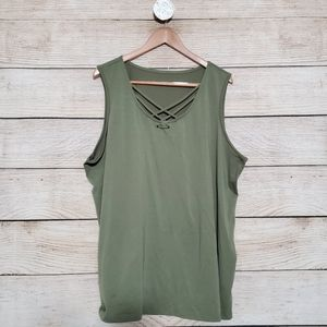 💟5/$25 Olive Lace Up Tank 2X (20-22)